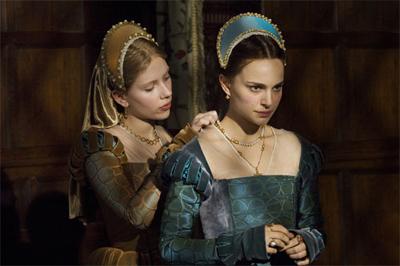 終於明白為何明明 Scarlett Johansson 年紀較輕卻會演 Mary Boleyn,皆因電影裡 Mary 才是「妹妹」啊!